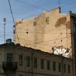 Старая глухая стена