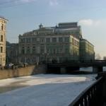 На границе Коломны. Вид на Мариинский театр с набережной Крюкова канала.