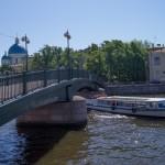 У Красноармейского моста. Поворачиваем на Крюков канал.