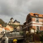 Замок Карлштейн: вид из Деревни