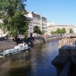 Чистильщики на канале Грибоедова.
