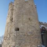 У крепости Копорье: Южная Воротная башня.
