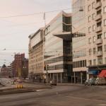 Архитектурный авангардизм на Союзной площади в Хельсинки.