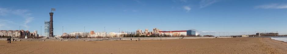 У парка 300-летия Петербурга.