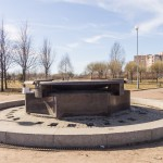 Фонтан в парке 300-летия Петербурга еще не запущен.