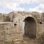 В крепости Старая Ладога. Ворота Тайничной башни.