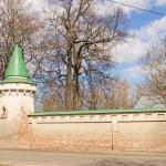 Успенский монастырь в Старой Ладоге. Ограда и башни.