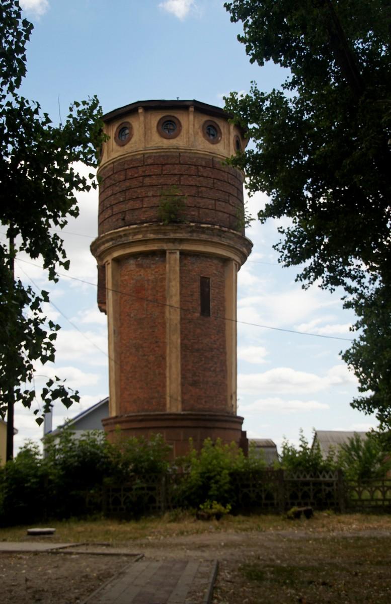 Водонапорная башня на улице 8 марта в старом осколе