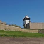 У стен Нарвского замка.