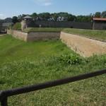 Стены Нарвского замка. На Большом западном дворе.