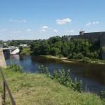 В Нарвском замке. Вид на реку Нарву.