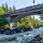 Иматра. Мост. Во время спуска воды.