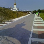 В Холковском монастыре. Дорога-лестница к храмам.