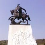 В Холкинском монастыре. Памятник князю Святославу Игоревичу.