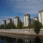 Около устья Смоленки. Современный жилой комплекс.