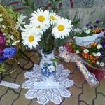 """Старый Оскол. В парке Металлургов в микрорайоне Олимпийском. Конкурс """"Вальс цветов"""". Ромашковый букет."""
