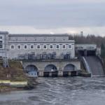 Нарвская ГЭС. Вид со стен Ивангородской крепости.