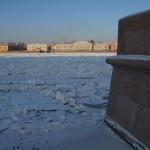 У Невы в январские морозы.