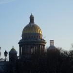 Вид на Исаакиевский собор с Адмиралтейской набережной.