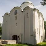 В Старой Ладоге. В Успенском монастыре. Успенский собор.
