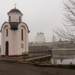 Псков. Ольгинская часовня на берегу Великой.