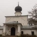 """Псков. Успенская церковь """"С Пароменья"""" на Ольгинской набережной."""