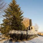 Новая Ладога. У мемориала на набережной Ладожской флотилии на берегу Волхова. Тральщик ТЩ-100.
