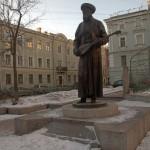 Переулок Джамбула. Памятник знаменитому казахскому акыну.