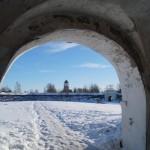 Выборг. Аннинские укрепления. Вид на Выборгский замок из прохода в Равелинных воротах.