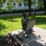 Новгород. Рисующий мальчик. На набережной Александра Невского.
