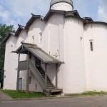 Новгород. У церкви Жен Мироносиц.