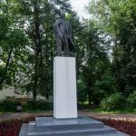 Новгород. Памятник Ленину на Торговой стороне.