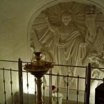 В Холковском монастыре. У входа в подземную Троицкую церковь.