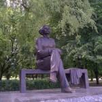 Минск. Памятник Максиму Горькому в Центральном детском парке.