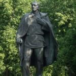 Минск. Памятник Янке Купале в сквере у Свислочи.