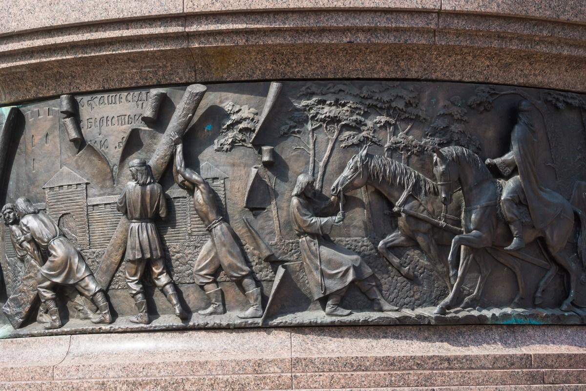 """Брест. Памятник """"Тысячелетие Бреста"""". Стародавние времена."""