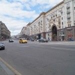Москва. Тверская улица. Лето, воскресенье.