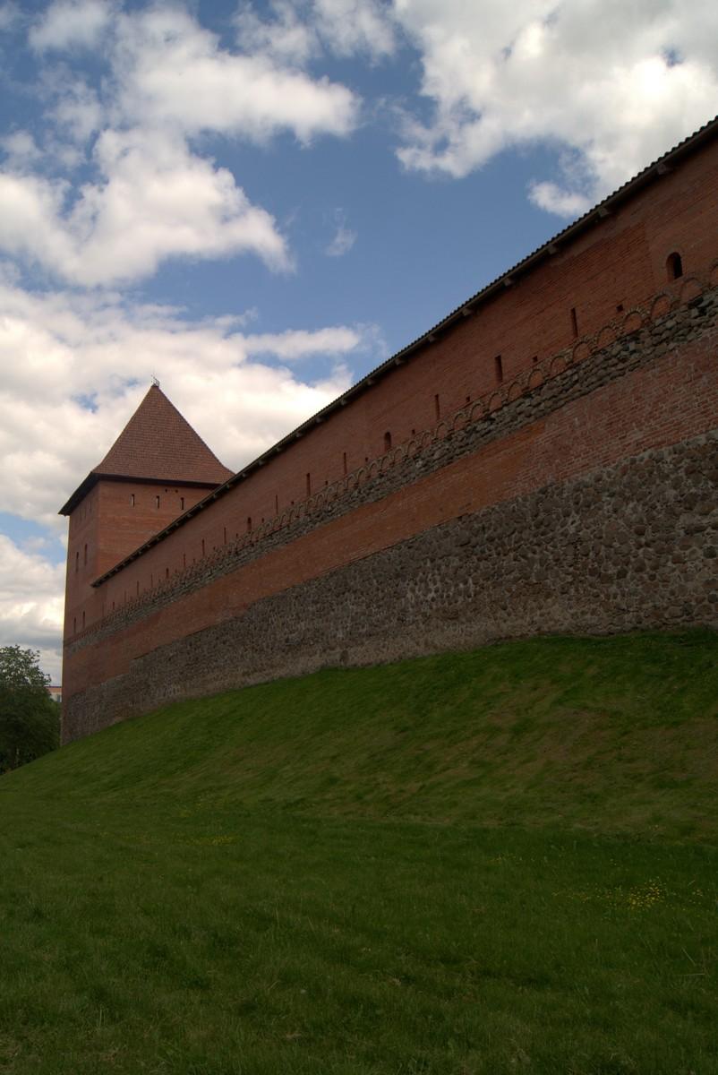 Лида. У стен Лидского замка.