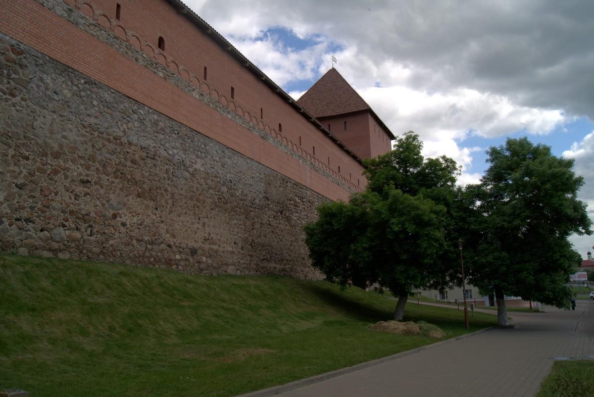 Лида. Стены замка.