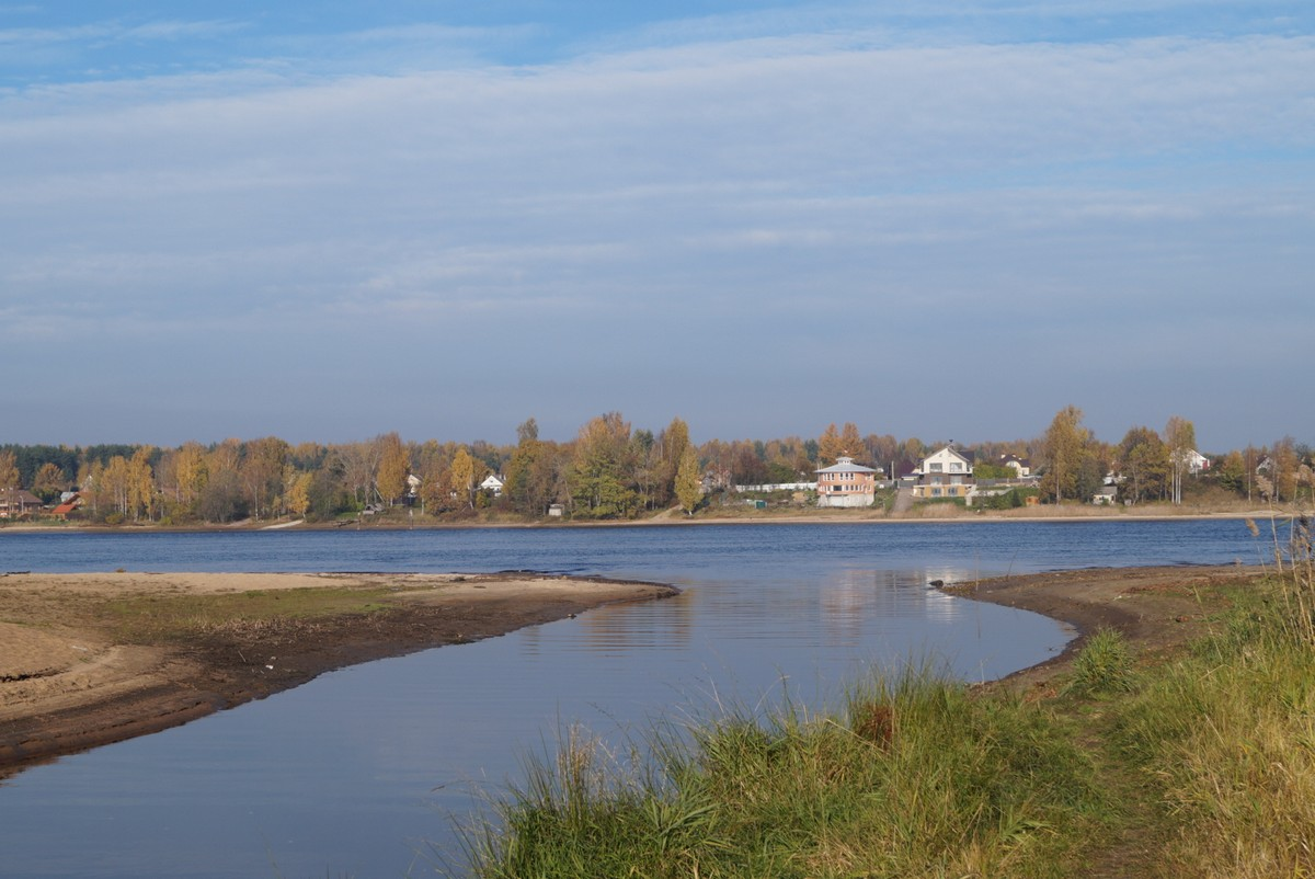 Нева и устье реки Мойки неподалеку от Павлово.