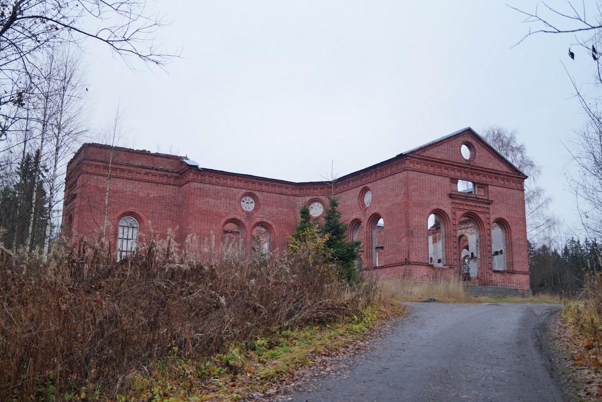 Лахденпохья. Руины лютеранско-евангелической церкви Яаккимской общины.