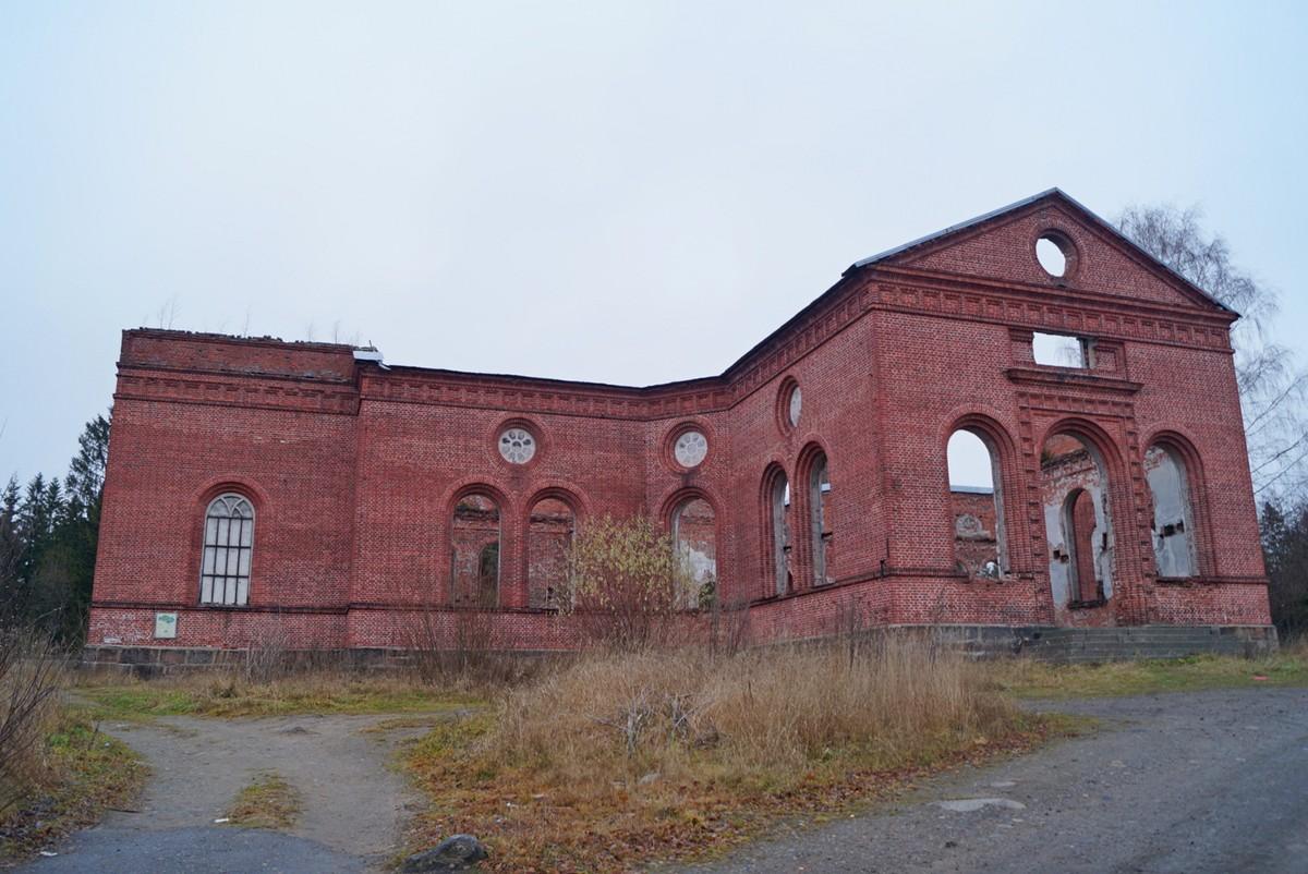 Руины лютеранской кирхи в Лахденпохья.