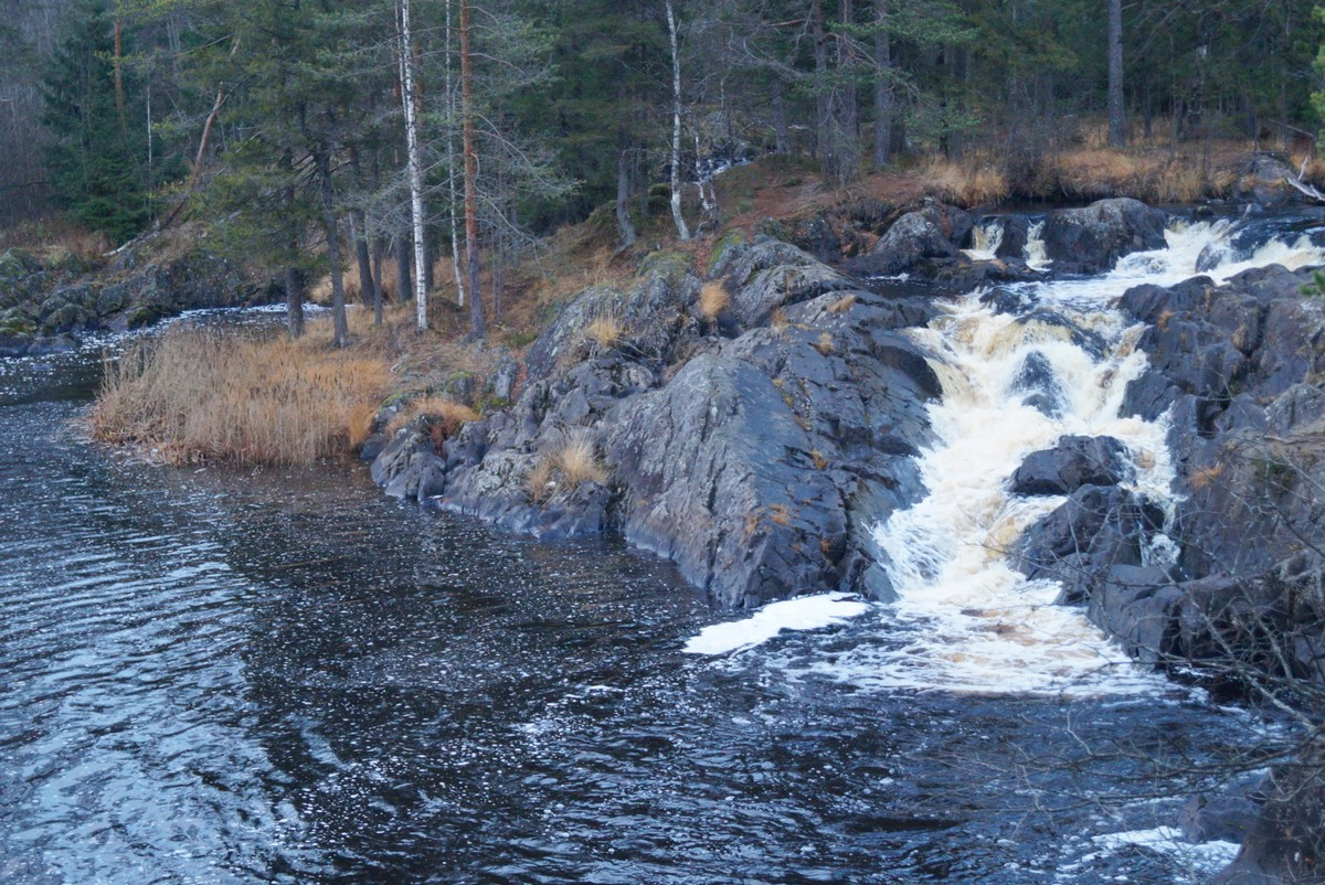 Карелия. Один из водопадов Ахинкоски.