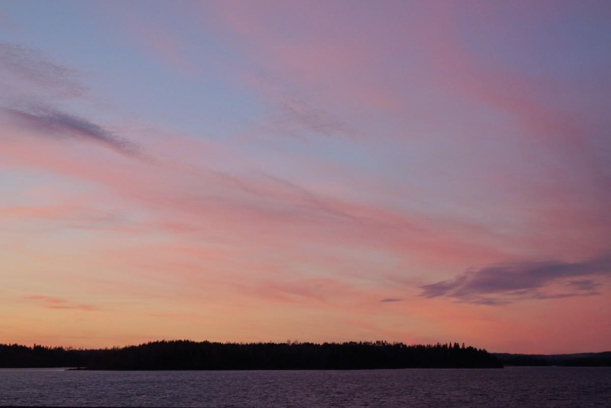 Питкяранта. Закатное небо над Ладогой.