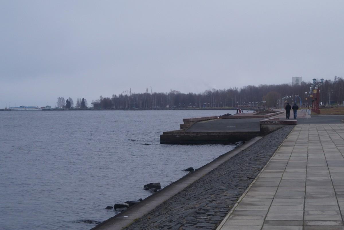 Петрозаводск. На набережной Онежского озера.