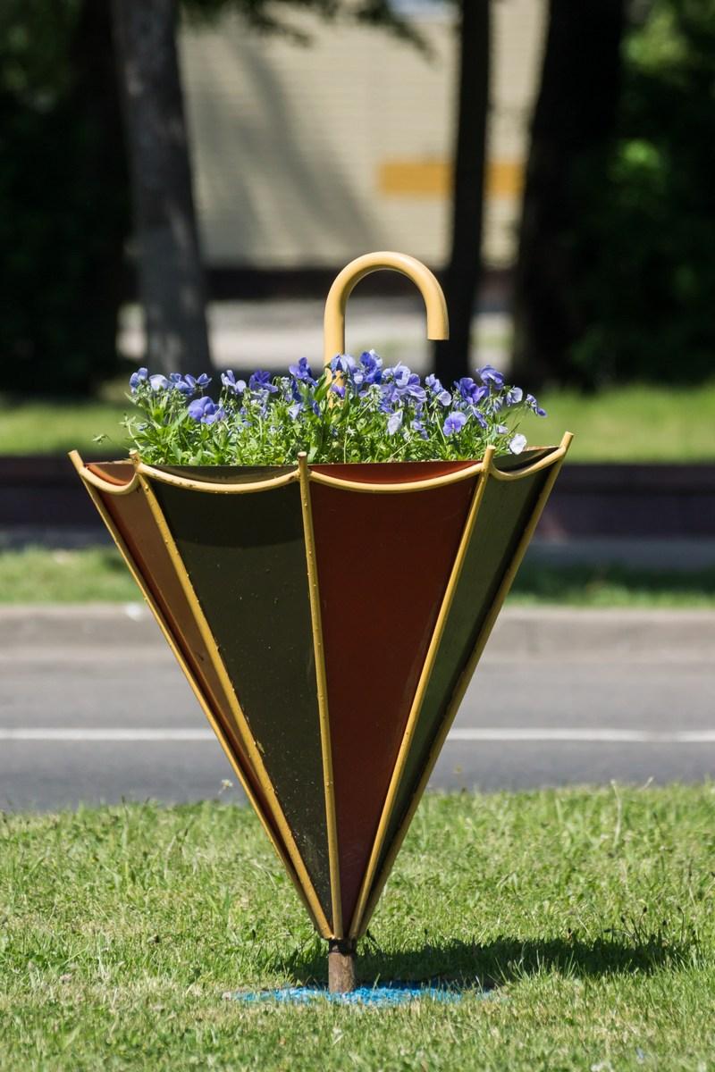 Полоцк. Зонтик и цветы. Творчество белорусских ландшафтных дизайнеров.