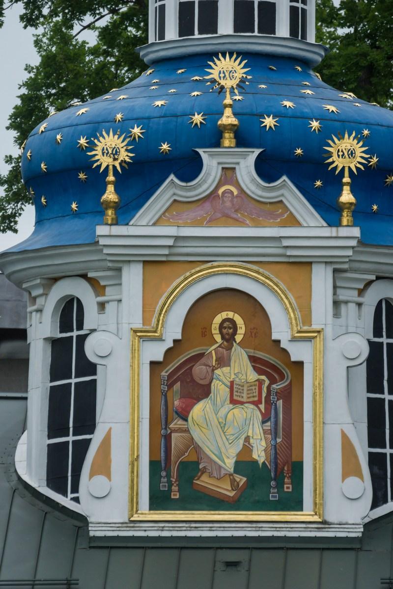 Псково-Печерский монастырь. Покровская церковь. Спаситель.