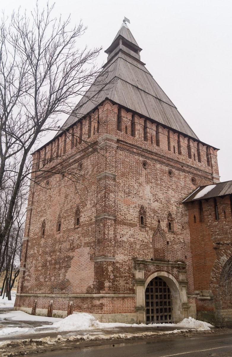 Смоленск. Никольская башня.