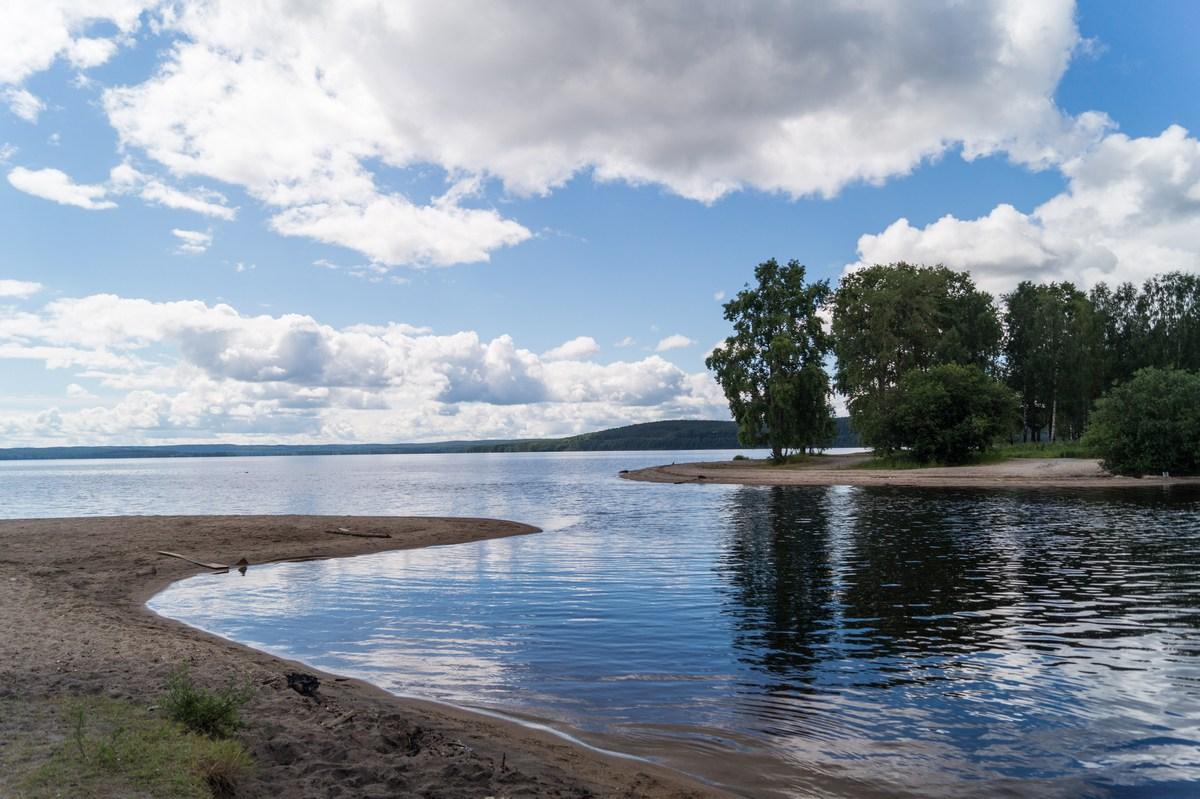 Медвежьегорск. Кумса впадает в Онежское озеро.