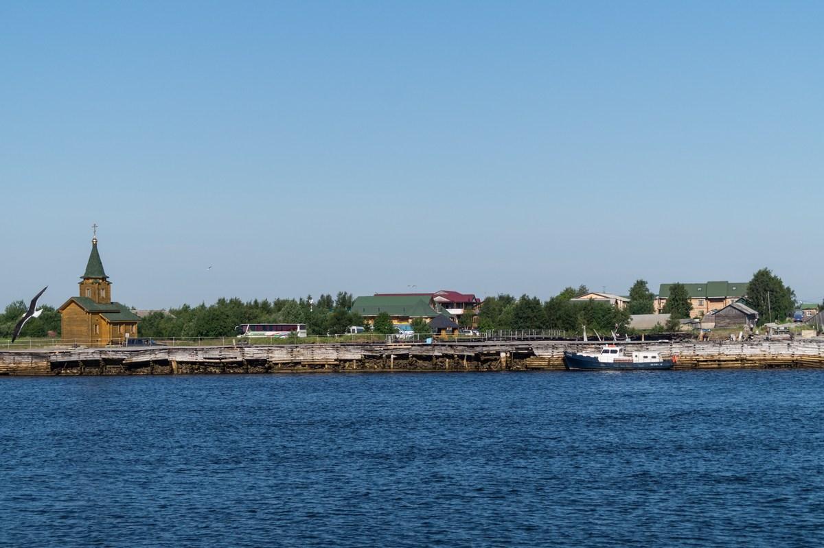 На Большой Соловецкий отправляемся. Вид на Рабочеостровск.